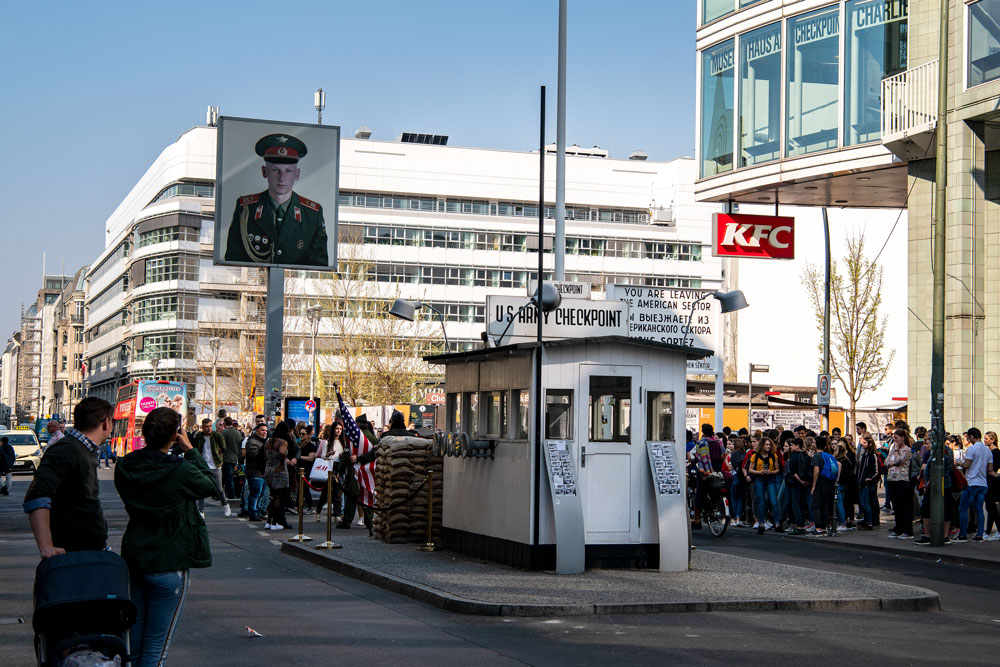 Weekend guide Berlin restaurant guide hotel sights All rights reserved resorochaventyr.se Checkpoint charlie